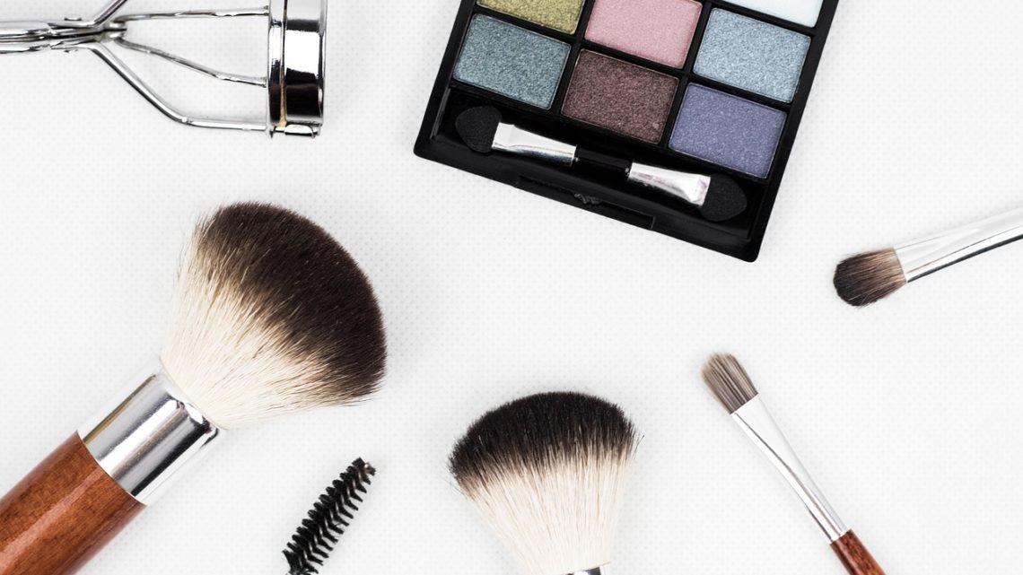 Triki makijażowe na co dzień i na wieczór