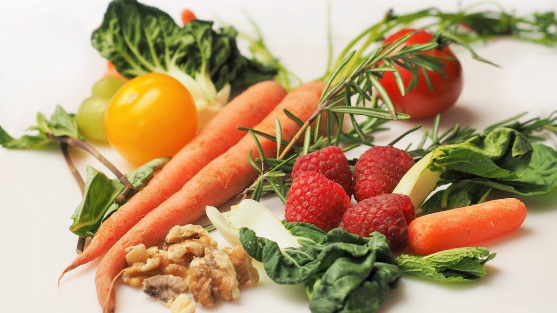 Zasady zdrowego odżywiania – o czym należy pamiętać układając dietę