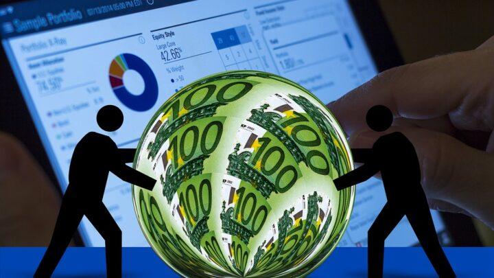 Notowania walut a zarobki za granicą