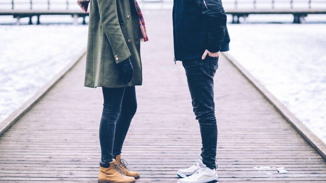 Modne buty – jakie marki wybierają nastolatkowie?